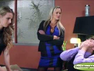 Abbey helps jillian obține o muncă cu anal