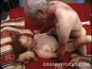 bunicuță, cumshot, threesome