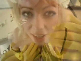 Adrianna nicole im yellow gummi handschuhe - porno video 841