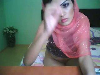 Uk bradford pakistan vogëlushe shazia në jetoj kamera shfaqje