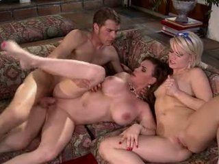 Ash Hollywood And Diamond Foxxx Babysitters Get Laid
