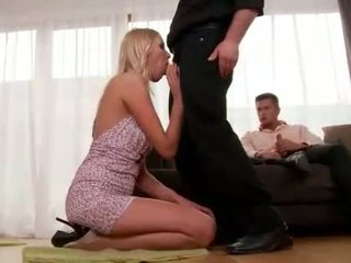 Teena lipoldino gets anaal perses poolt two guys