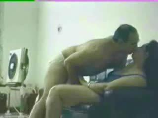 Arab nagymellű otthon készült szex