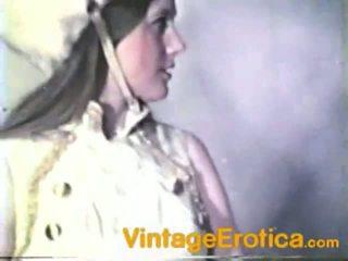 Vintage lesbo prestazione in giro ragazze dentro band