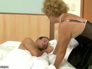 Nagypapa fucks nagymama kemény szabadban