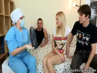 Losing haar virginity is an verbazingwekkend evenement en natali wants naar maken de meest van het.