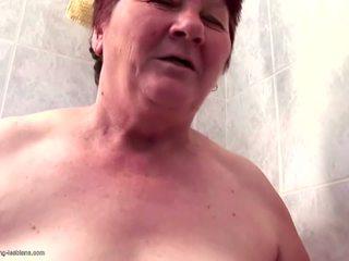 Haarig oma fucks haarig mädchen mit pissen: kostenlos hd porno e9