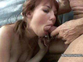 T और एक redheads: रेडहेड टीन hottie delila प्रिय gets गड़बड़