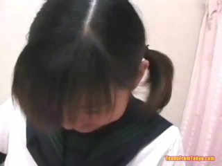 Ázijské vysokoškolská študentka masturbovanie chlpaté med pot