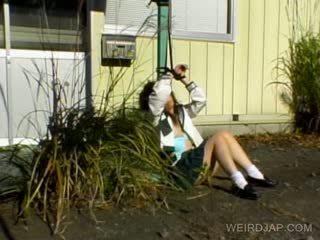 Asiatisch schulmädchen shows haarig fotze