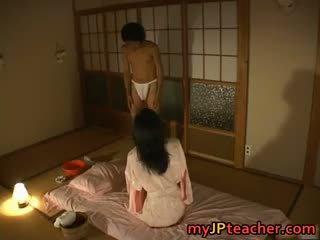 Kuum jaapani õpetaja enjoys keppimine part4