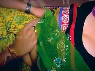 Indisk husmor tempted gutt neighbour onkel i kjøkken - youtube.mp4