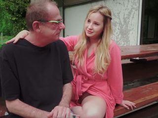 Teen tochter gefickt für disturbing schritt alt papa aus