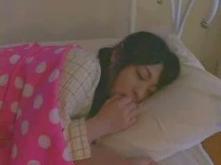 Tidur gadis fucked keras video