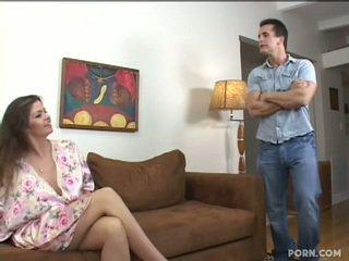 Malaking suso step-mom pakikipagtalik kanya son