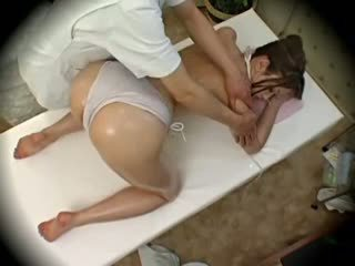 Spycam Fashion Model Seduced By Masseur 1