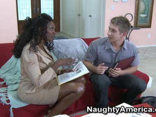 Vollbusig schwarz porno modell nyomi banxxx wants die whitey