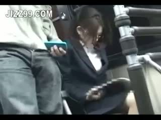 Büro dame seduced gefickt von geek auf bus
