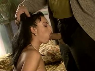 כיף שחרחורת חם, חופשי מין אוראלי טרי, יחסי מין בנרתיק