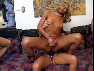 Shemail orgija video