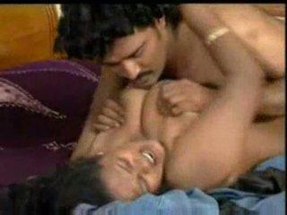 Indien mallu actrice enjoying avec costar en bluefilm partie 2
