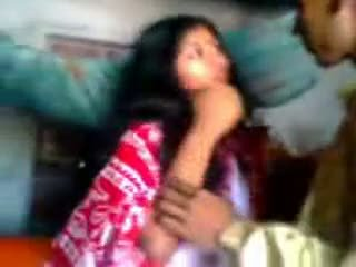 Ινδικό newly παντρεμένος/η guy trying zabardasti να σύζυγος πολύ ντροπαλός/ή