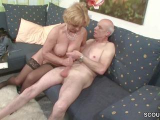 Oma und opa ficken das erste mal im porno fuer sterven rente