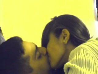 他媽的, 吸吮, 接吻