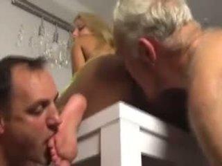 Two slaves memuja cantik wanita simpanan