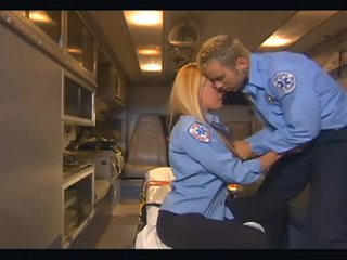 Nichole sheridan hardcore scopata in ambulance