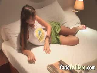 Anorectic jente cums før en søvn