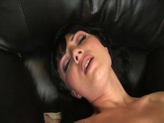 Ava rose masturbates dengan sebuah bagus besar penis buatan