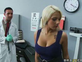 Lylith lavey getting गड़बड़ द्वारा उसकी डॉक्टर वीडियो
