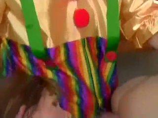 Julia ashton analized līdz clowns