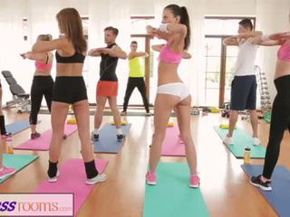 FitnessRooms Barbara Bieber has a sexual workout after gym class <span class=duration>- 14 min</span>