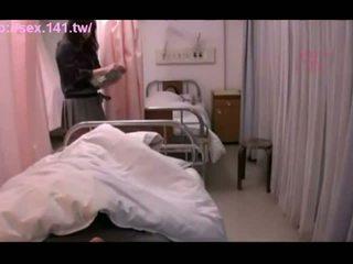 Sexy japonez milf moans în timp ce being porked greu