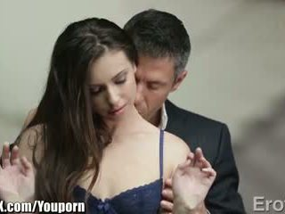Eroticax más apasionada kiss leads a sexo