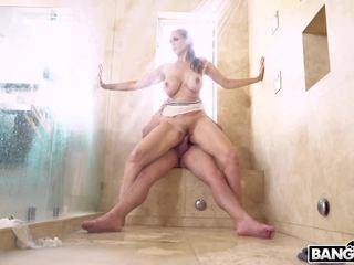 Bangbros - groß titten milf stiefmutter julia ann fucks schritt sohn im dusche