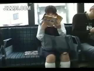 Istudyante seduced leg fucked by geek sa bus