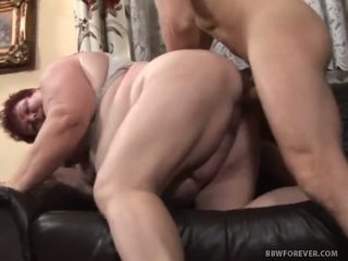 Alma bends her lemak bokong over for doggy style