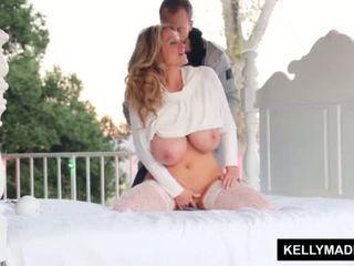 Kelly madison sundown stroking päällä the patio <span class=duration>- 11 min</span>