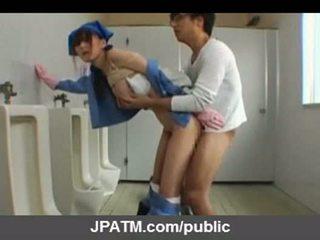 Japonská veřejné pohlaví - asijské teens exposing venku part03