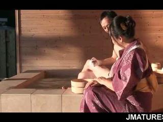 Trưởng thành nhật bản stud trong mood vì một tốt slick geisha âm hộ