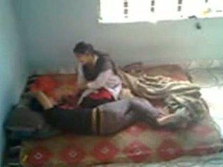 Bangladeshi meditsiiniline õpilane koos bf sisse mess (leaked)