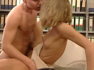 जर्मन बहुत हॉट ऑफीस सेक्स. ब्यूटिफुल hottie