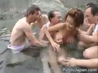 नई जापानी कोई, कोई समूह सेक्स, चेक दृश्यरतिक आप