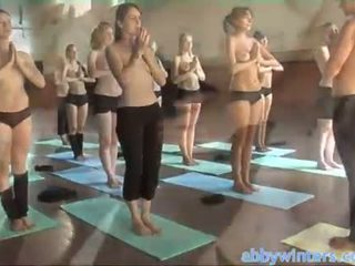 Γυμνός yoga