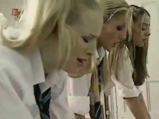 लेज़्बीयन ब्रिटिश schoolgirls और टीचर