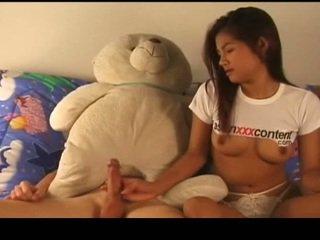 التايلاندية nymph has مارس الجنس تيار