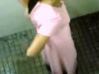 인도의 소녀 taped taking pee 비디오